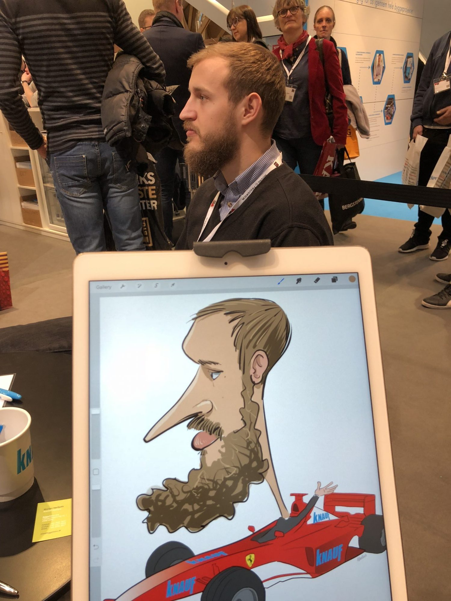 ipad Live karikatur med Allan Buch. farve profilfoto5